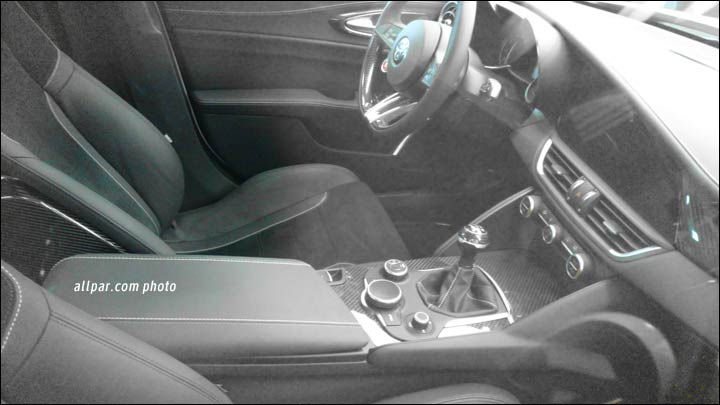 Alfa Romeo Giulia interior front row spyshots re-surface