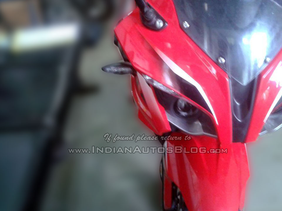 Bajaj Pulsar RS400 headlight spied