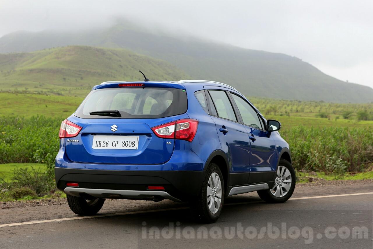 Maruti S-Cross rear quarter Review