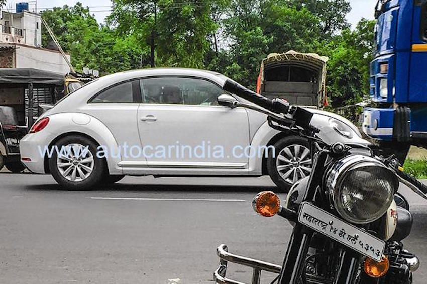 2012 VW New Beetle side testing on Indian roads