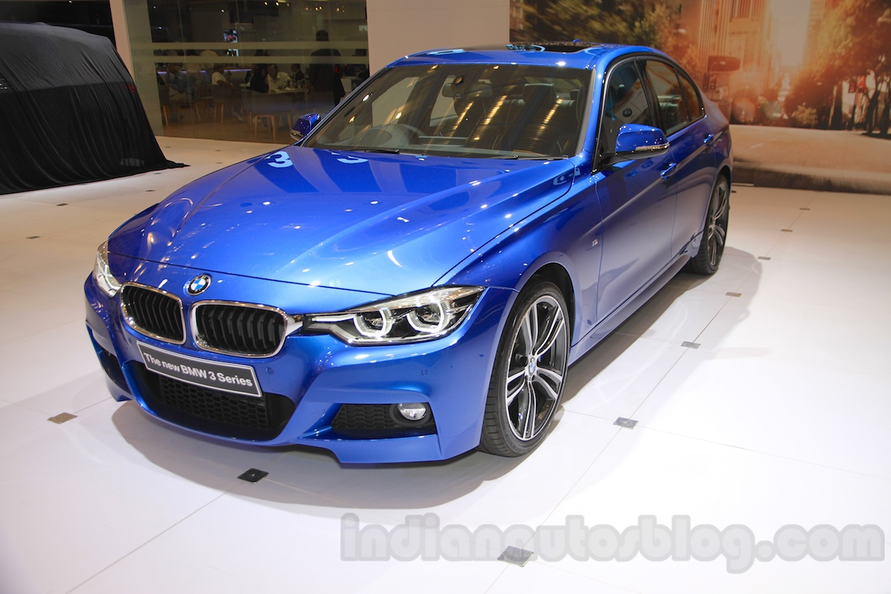 2016 BMW 3 Series front three quarter right at the 2015 Gaikindo Indonesia International Auto Show (GIIAS 2015)