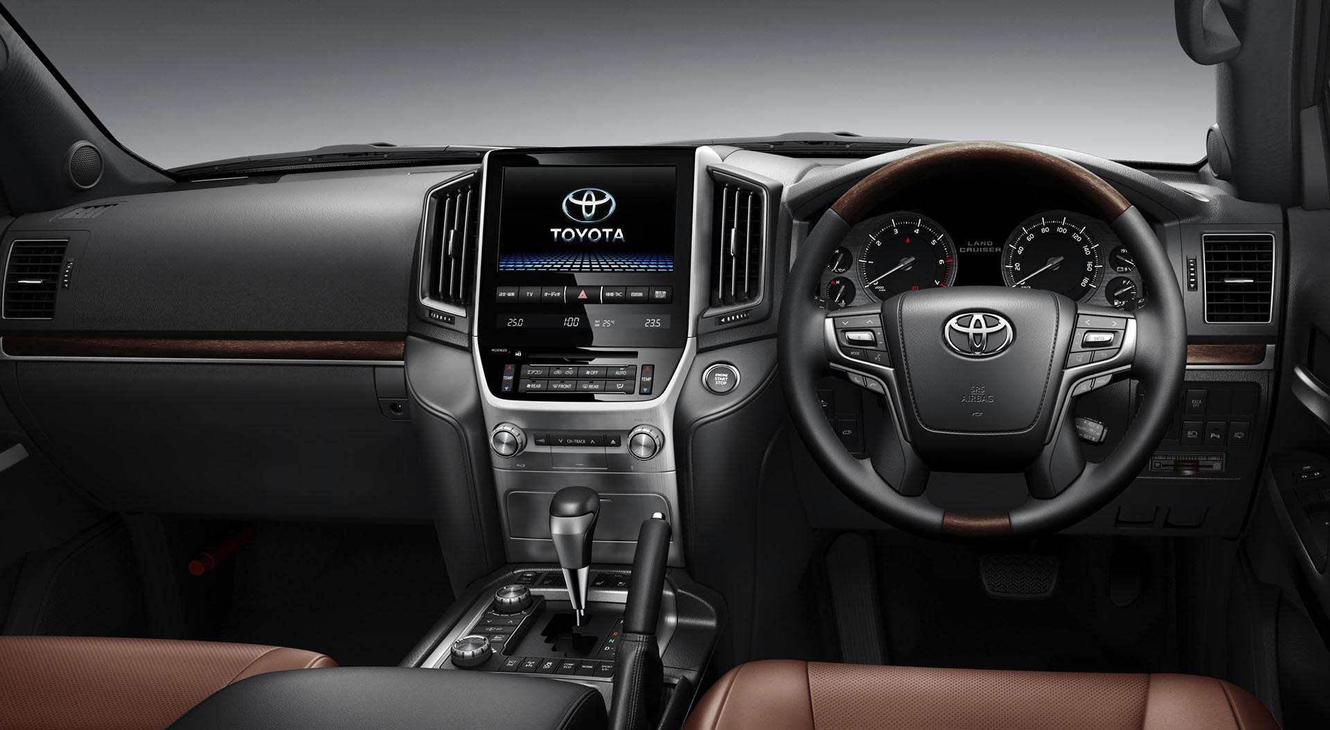 2016 Toyota Land Cruiser Facelift 2015 Dubai Motor Show