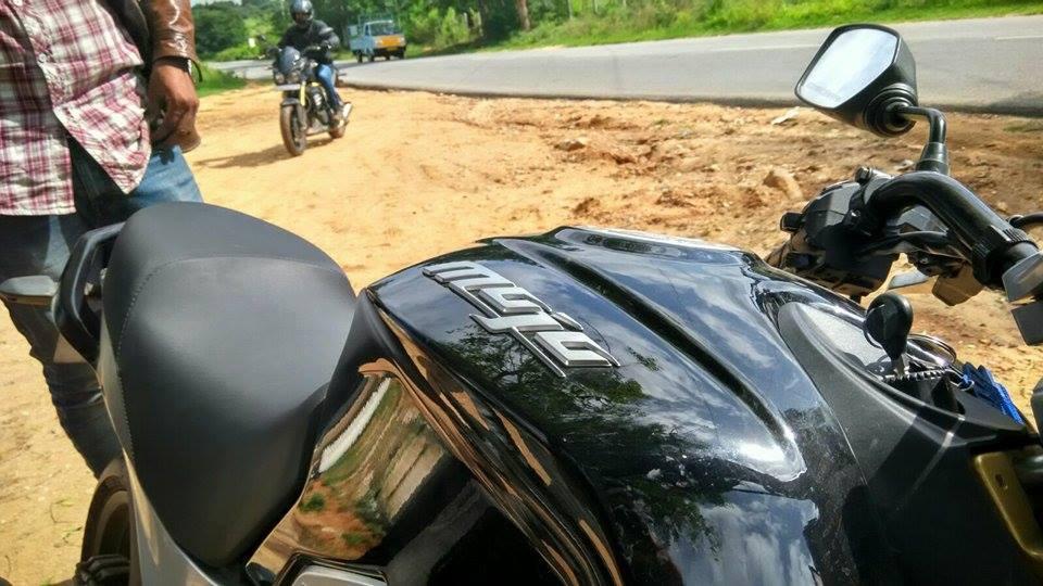 Mahindra Mojo fuel tank spied