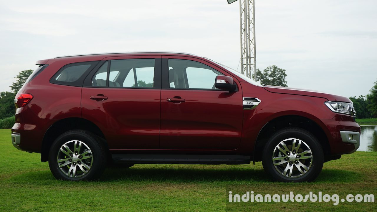 2015 Ford Endeavour side view (Review)