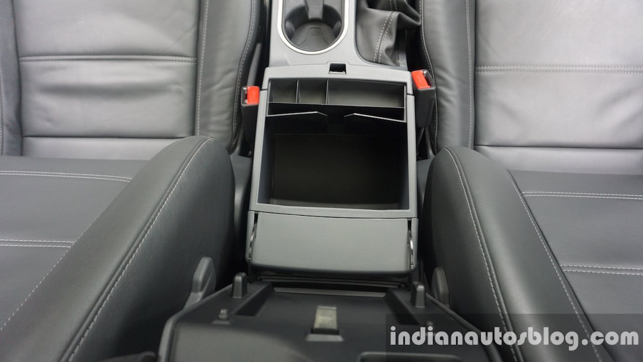 2015 Ford Endeavour storage box (Review)