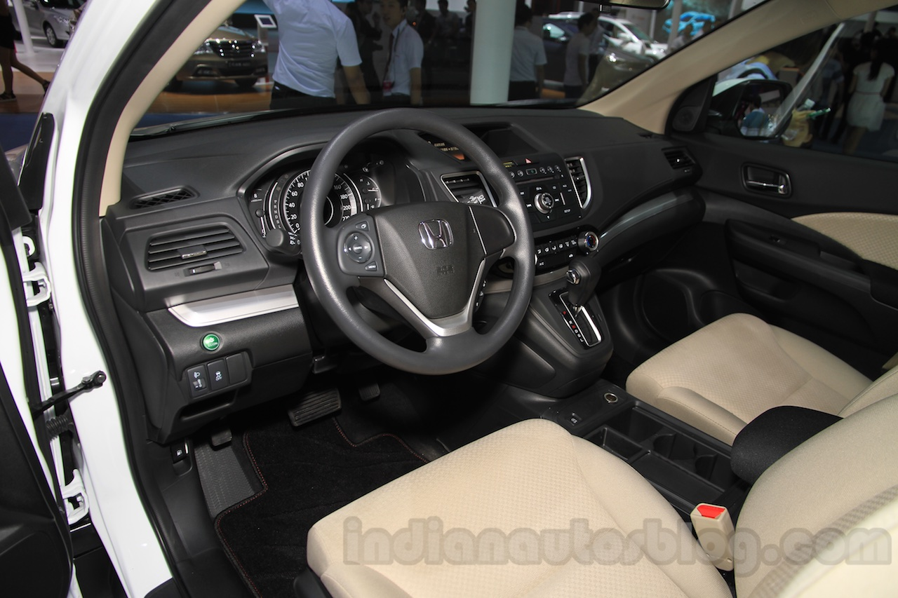 2015 Honda CR-V facelift dashboard at the 2015 Chengdu Motor Show