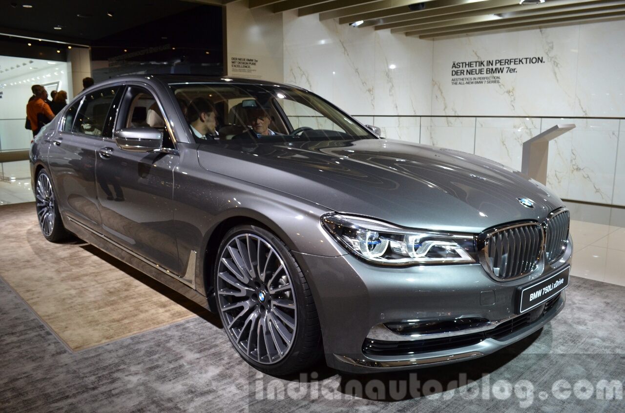 2016 BMW 7 Series Front Three Quarter At The IAA 2015
