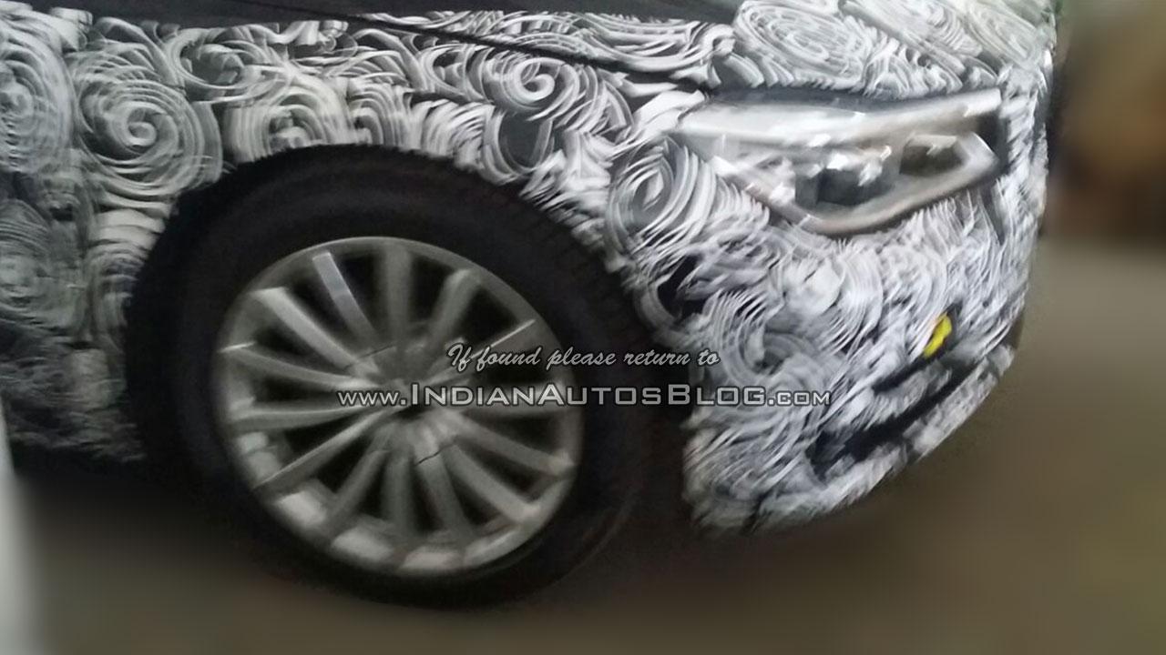 2016 BMW 7 Series headlight India spied