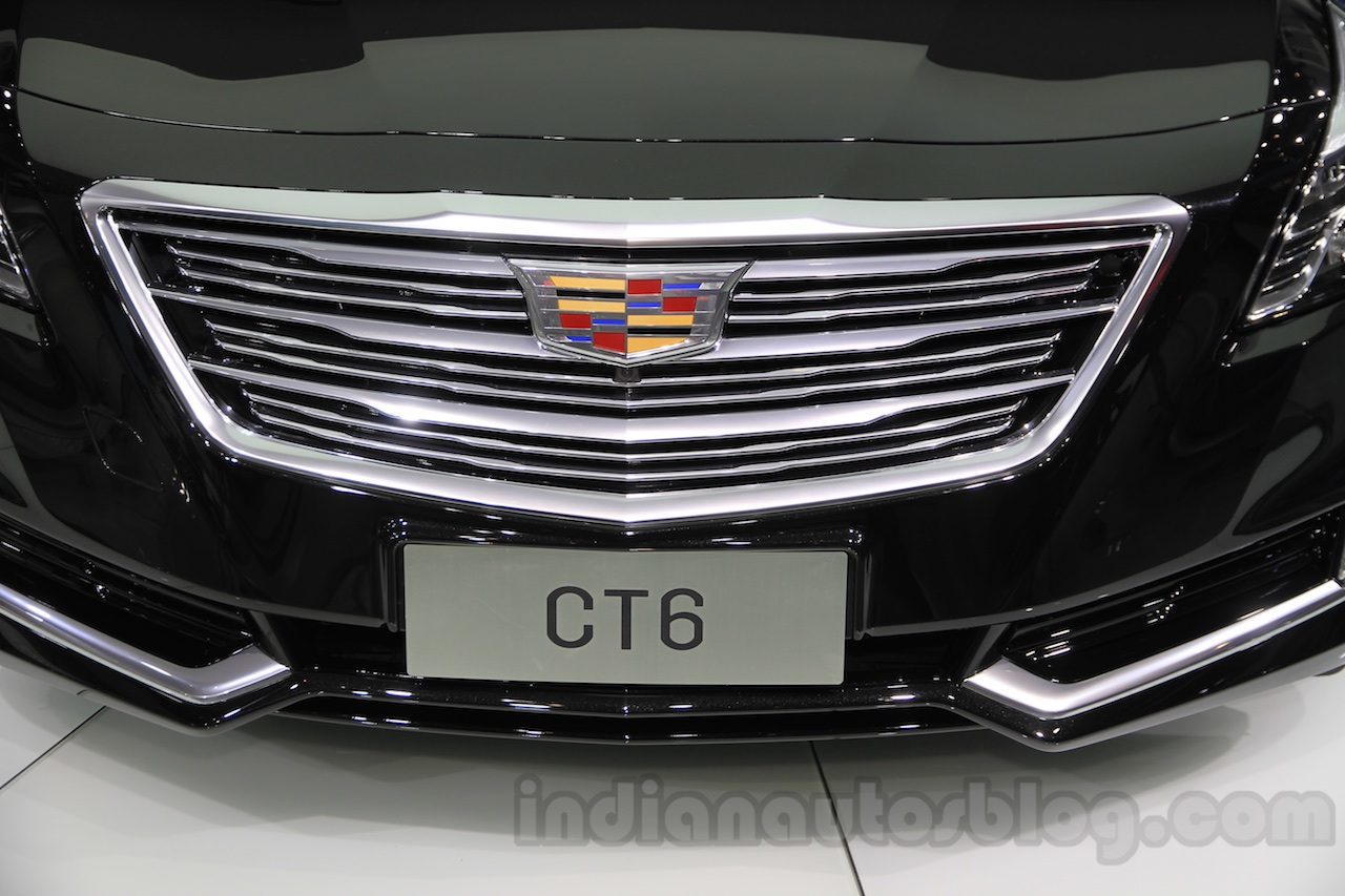 2016 Cadillac CT6 grille at the 2015 Chengdu Motor Show