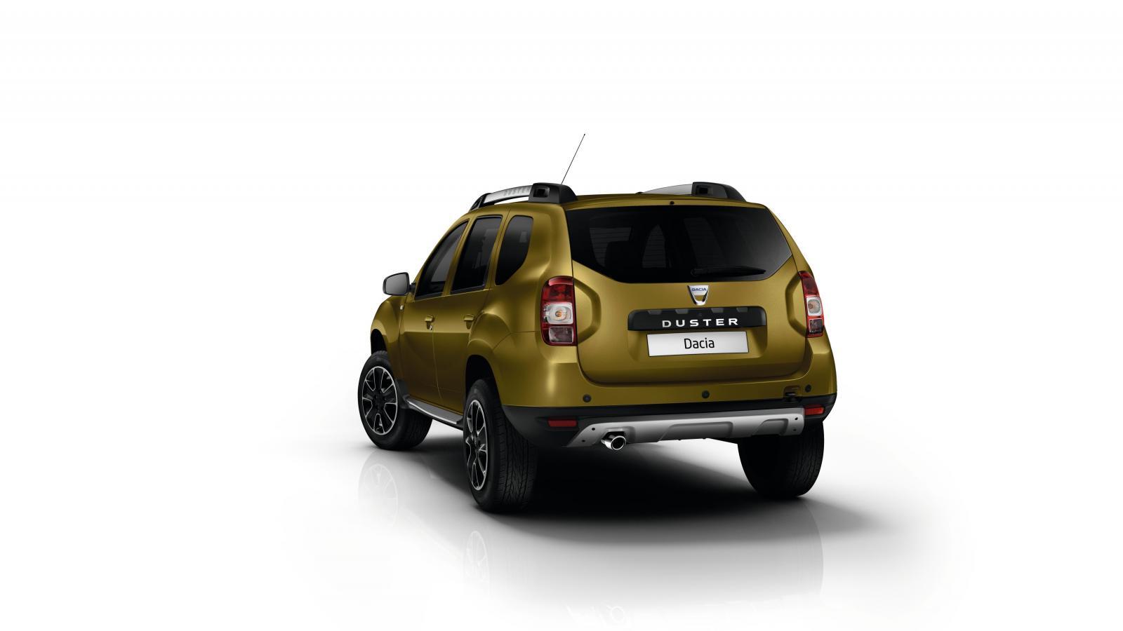 2016 Dacia Duster rear quarter press shots