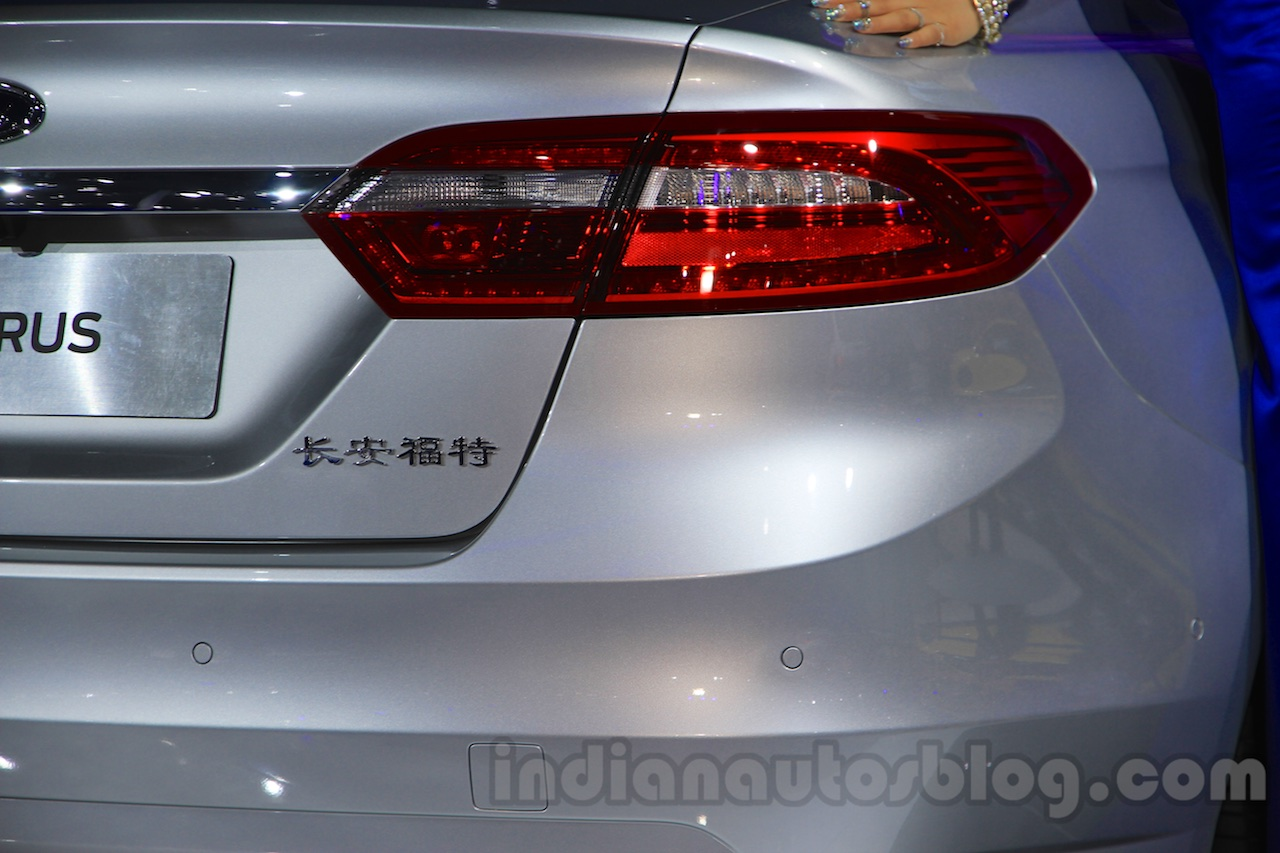 2016 Ford Taurus taillight at the 2015 Chengdu Motor Show
