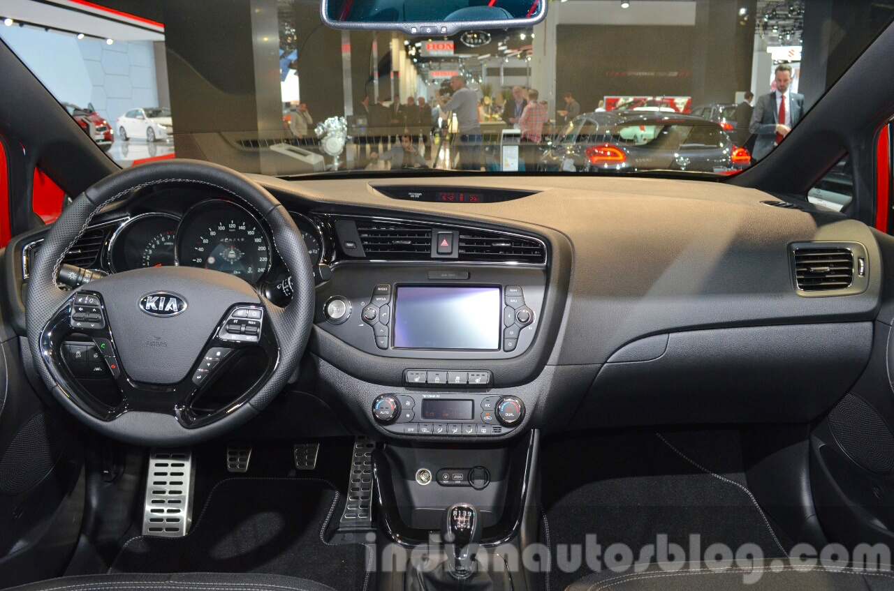 2016 Kia ceed Sportswagon GT dashboard interior at IAA 2015