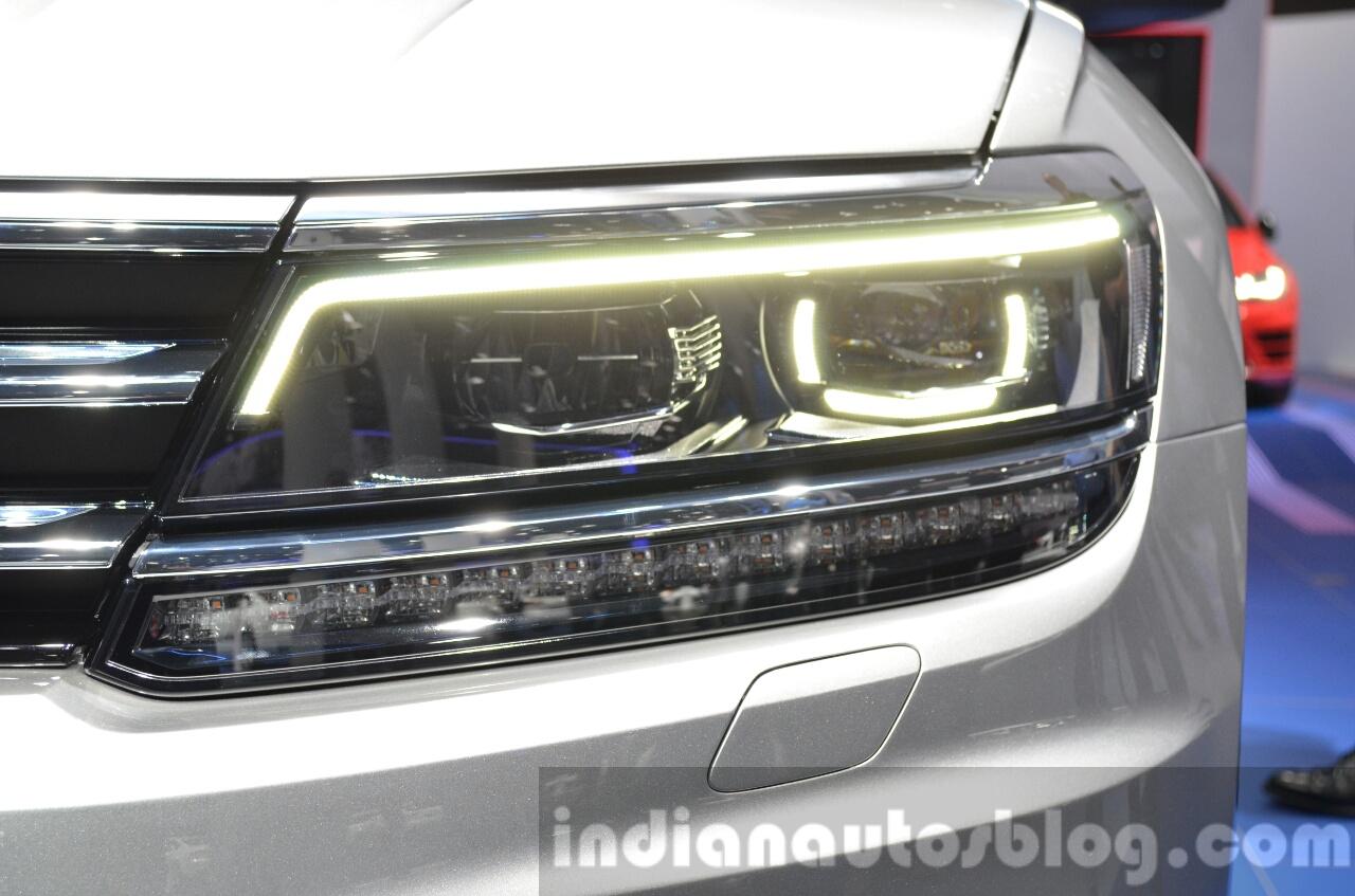 2016 volkswagen tiguan led headlamp drl at iaa 2015. Black Bedroom Furniture Sets. Home Design Ideas