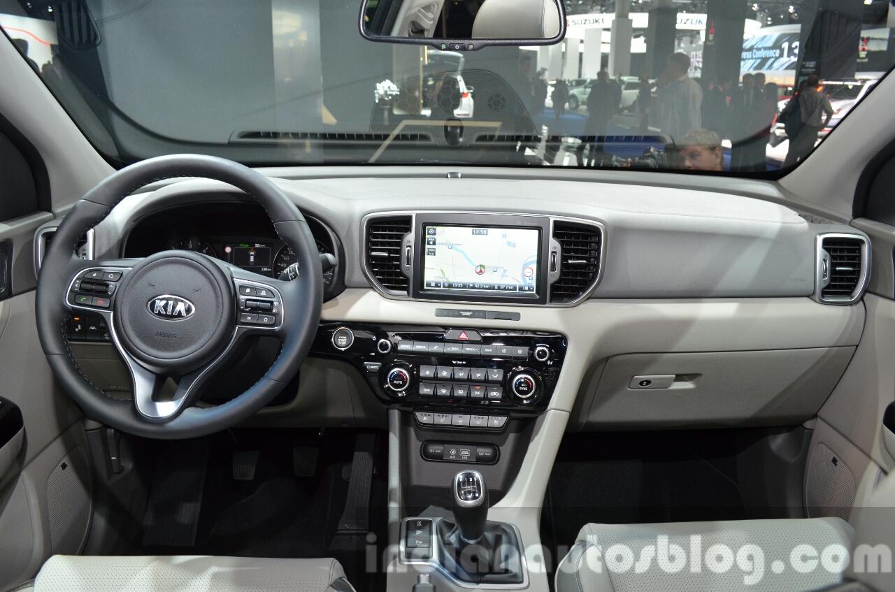 2017 Kia Sportage dashboard interior at IAA 2015