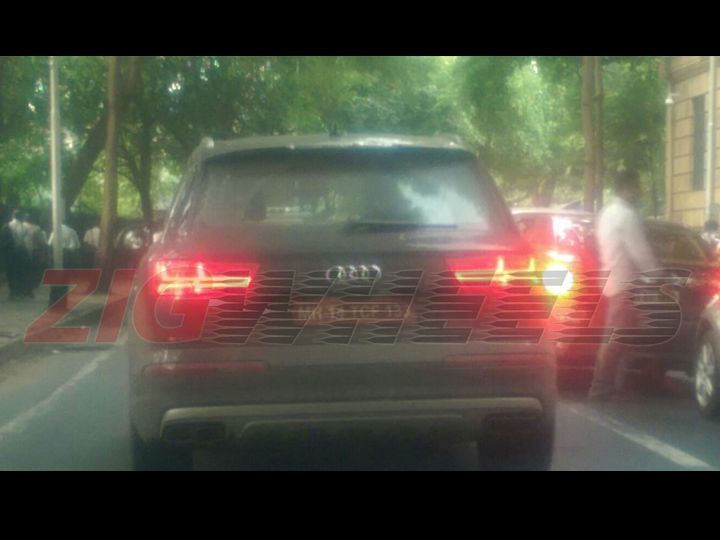 Audi SQ7 exhausts Mumbai spied
