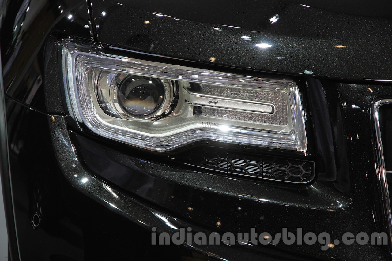Jeep Grand Cherokee John Yiu limited-edition headlight at the 2015 Chengdu Motor Show