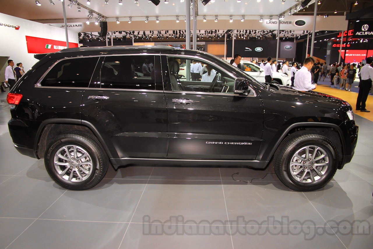 Jeep Grand Cherokee John Yiu limited-edition profile at the 2015 Chengdu Motor Show