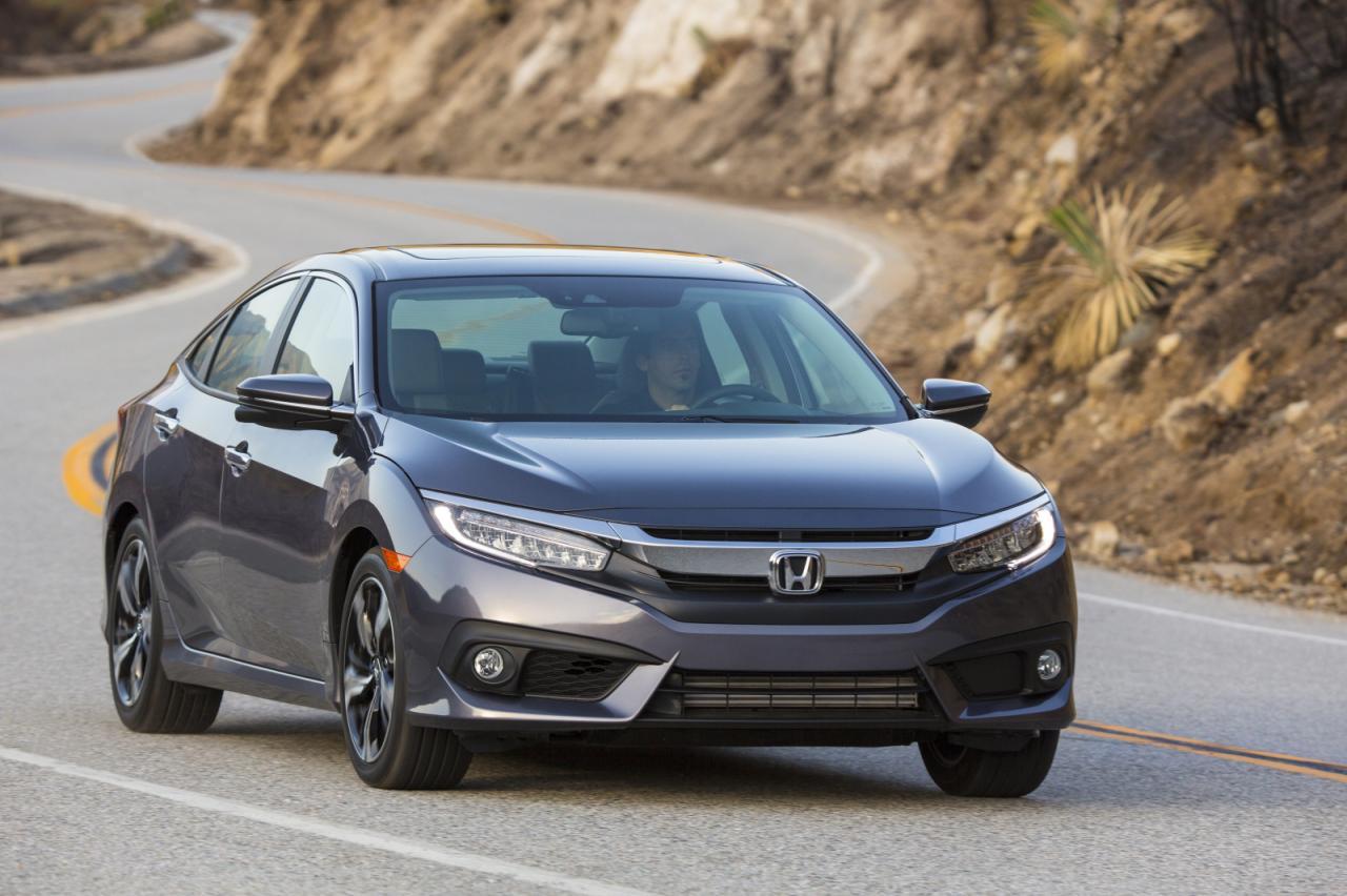 2016 Honda CIvic Grey Front Quarter