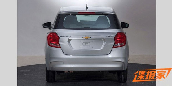 Chevrolet Lova RV rear leaked