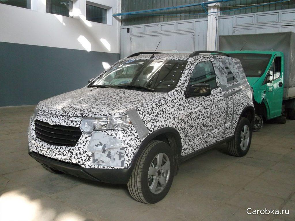 Chevrolet Niva front quarter spied