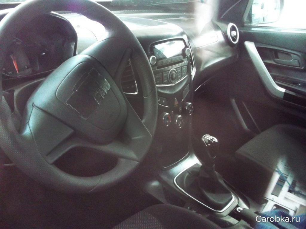 Chevrolet Niva interior spied