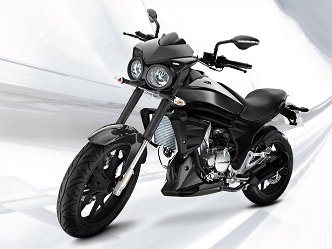 Old Mahindra Mojo front quarter official image