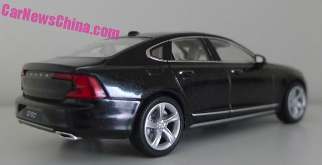 Volvo S90 Onyx Black rear three quarter scale model snapped