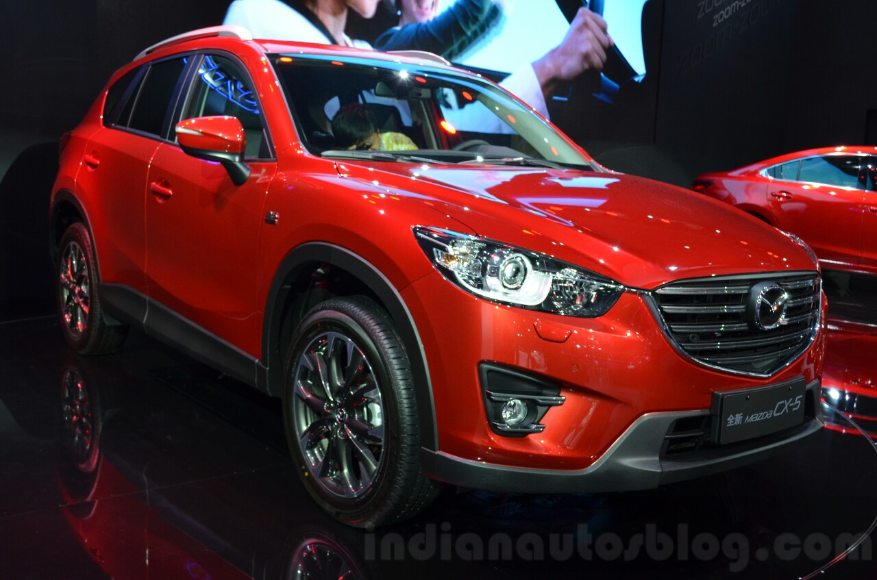 2016 Mazda CX-5 front three quarters at the 2015 Shanghai Auto Show