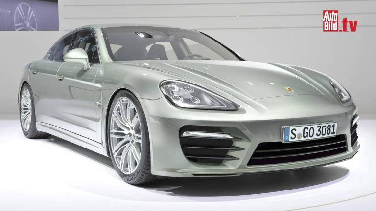 2016 Porsche Panamera front three quarters rendering