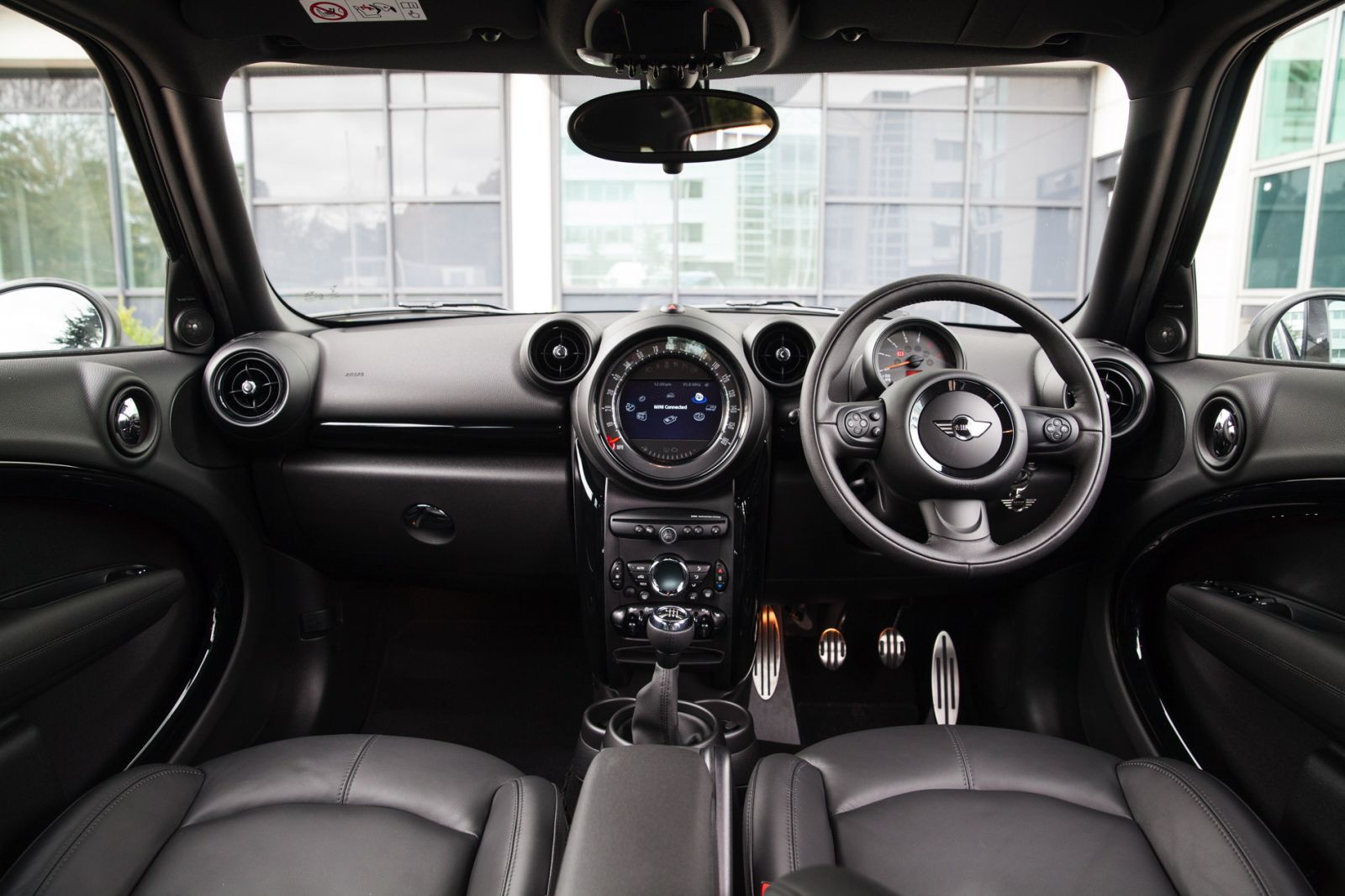 New MINI Countryman Special Edition cabin