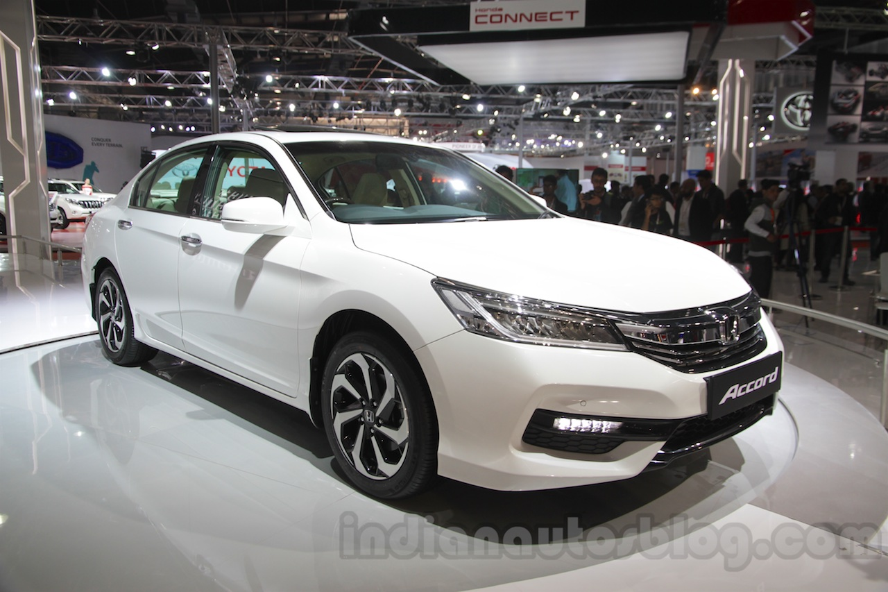 Elegant 2016 Honda Accord Hybrid Front Three Quarter At The Auto Expo 2016