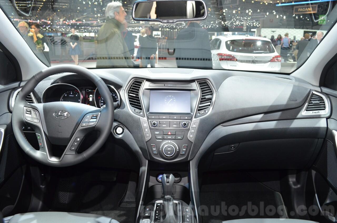 2016 Hyundai Santa Fe (facelift) dashboard at 2016 Geneva Motor Show