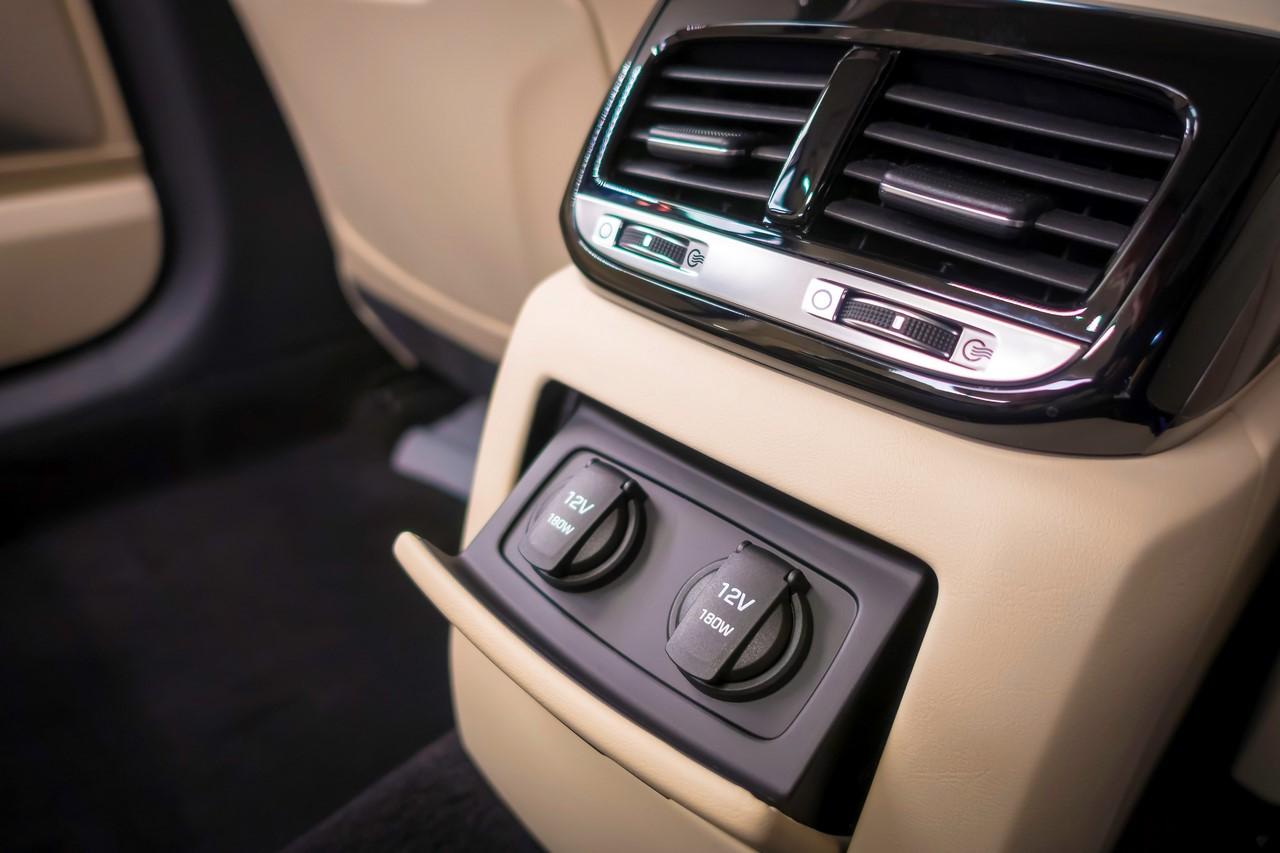 2017 Genesis G90 rear charger sockets