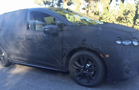 2017 Honda Odyssey side spotted testing in the US