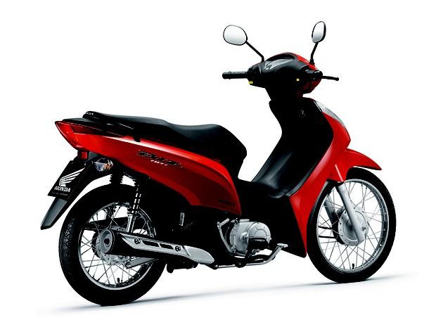 Honda Biz 110i red rear quarter launched in Brazil