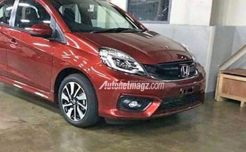 Honda Brio RS facelift front spied