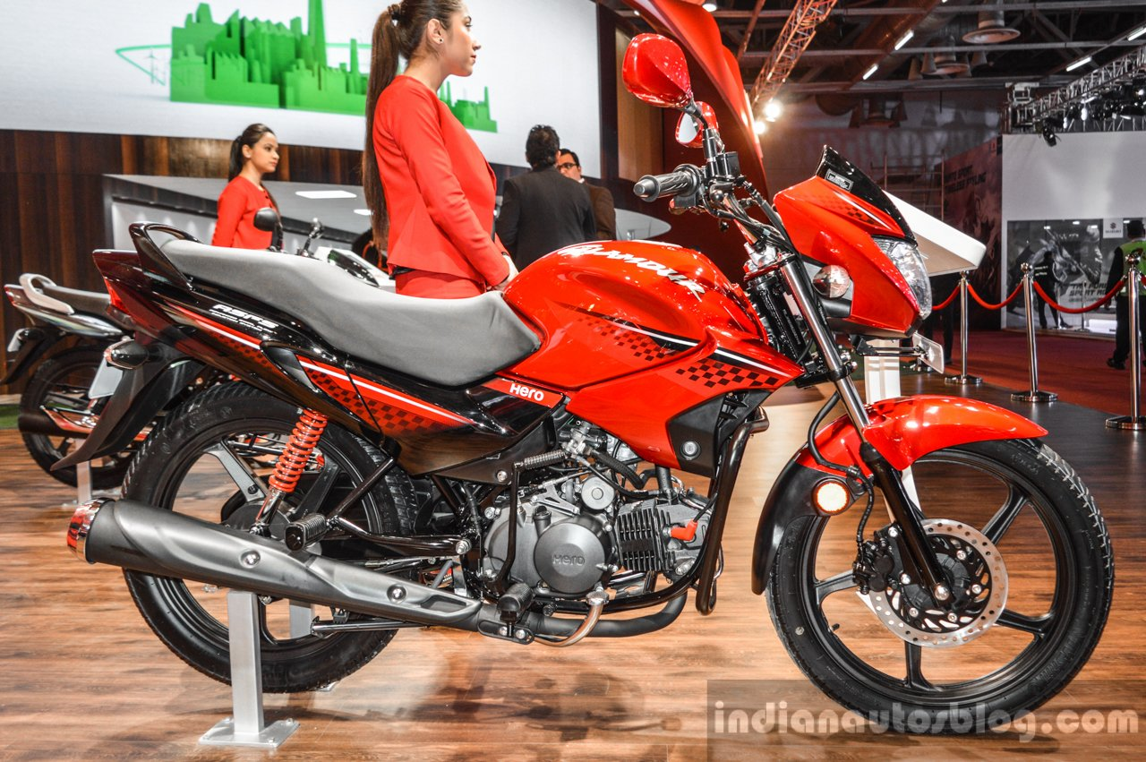 2016 Hero Glamour Side At Auto Expo 2016