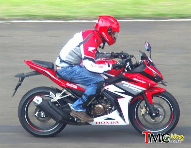 2016 Honda CBR150R riding position launched in Indonesia
