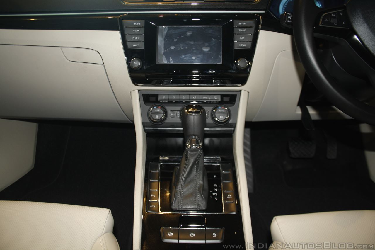 2016 Skoda Superb center console launched in India