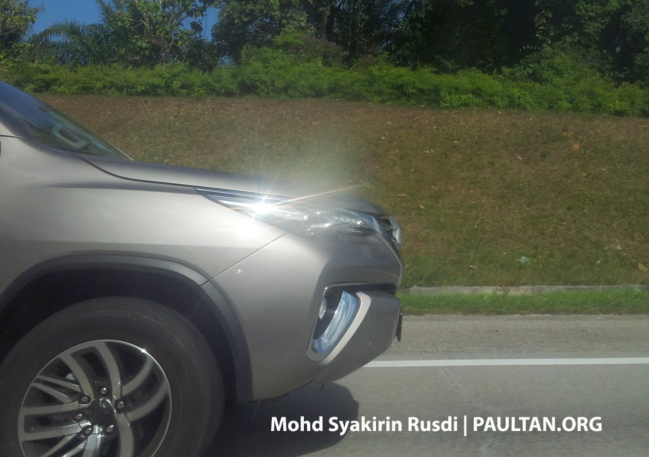 2016 Toyota Fortuner snout spied in Malaysia