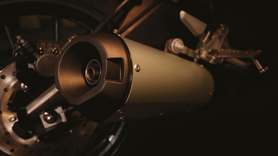 2016 Yamaha MT-125 exhaust UK