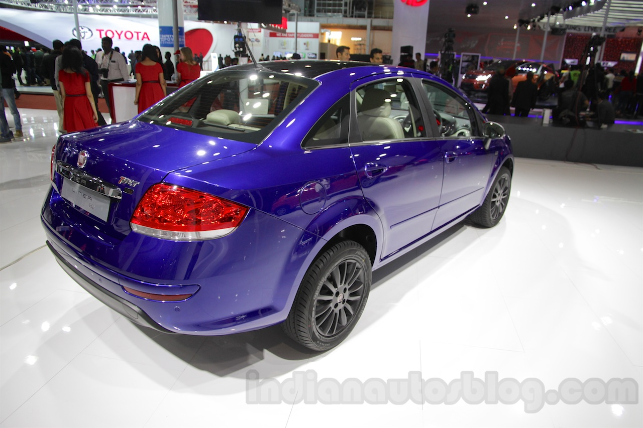 Fiat Linea 125s rear three quarters right at Auto Expo 2016