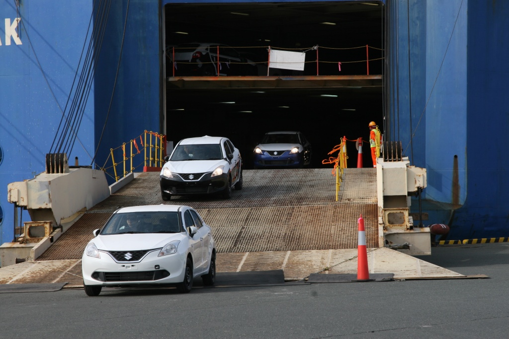 First lot of India-made Maruti Balenos (Suzuki Baleno) arrive in Japan