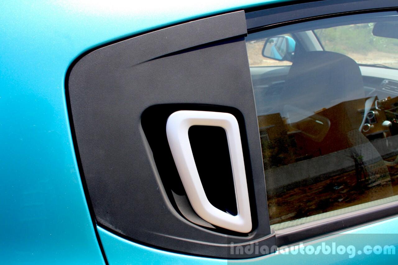 Mahindra KUV100 1.2 Diesel (D75) door handle Full Drive Review