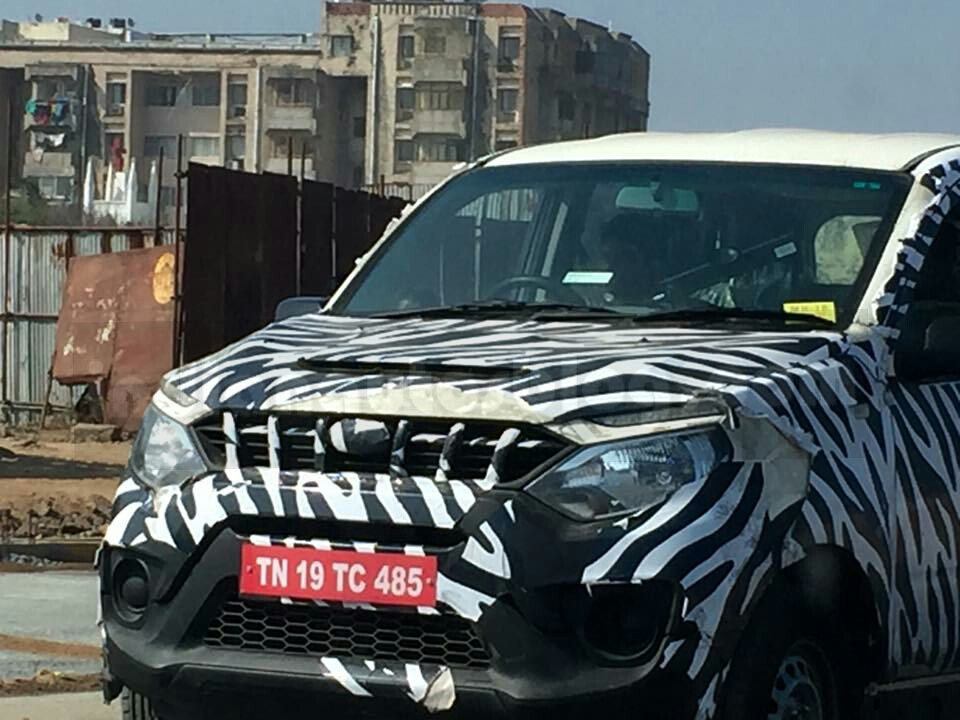 Mahindra Quanto facelift (Mahindra Canto) front end snapped up close