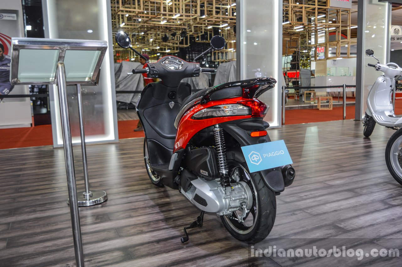 Piaggio Liberty IGET 125 ABS tail lamp at Auto Expo 2016