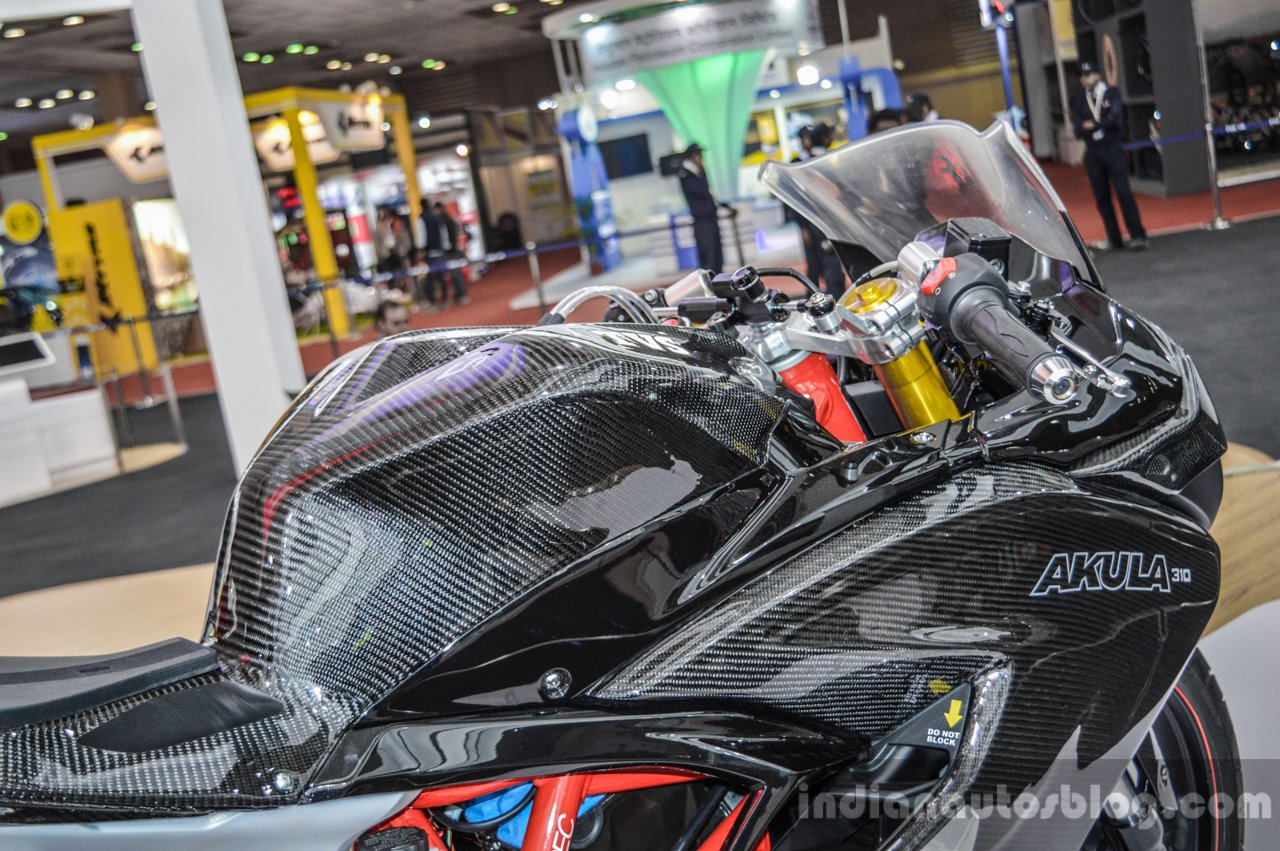 TVS Akula 310 clip-on handlebars at Auto Expo 2016