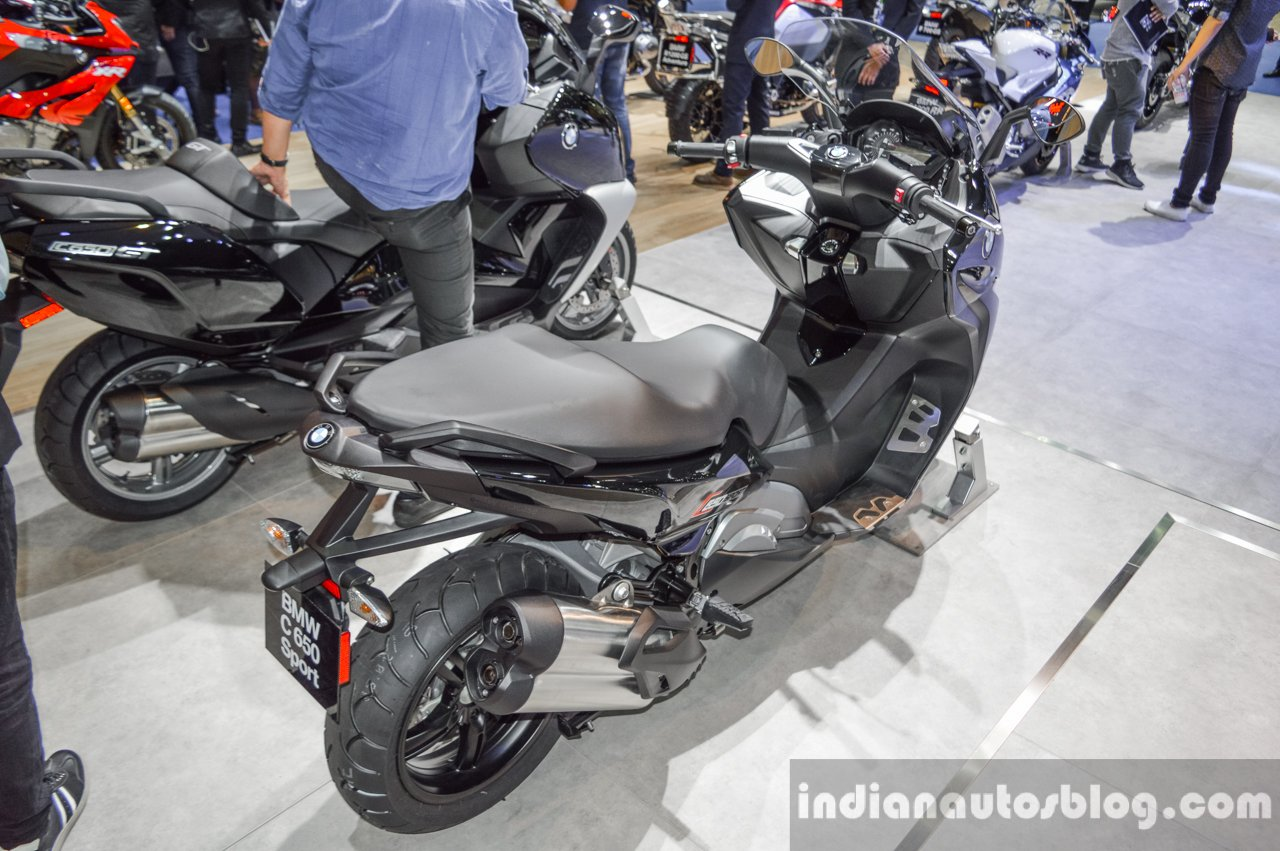 2016 BMW C650 Sport alloy wheel at 2016 BIMS