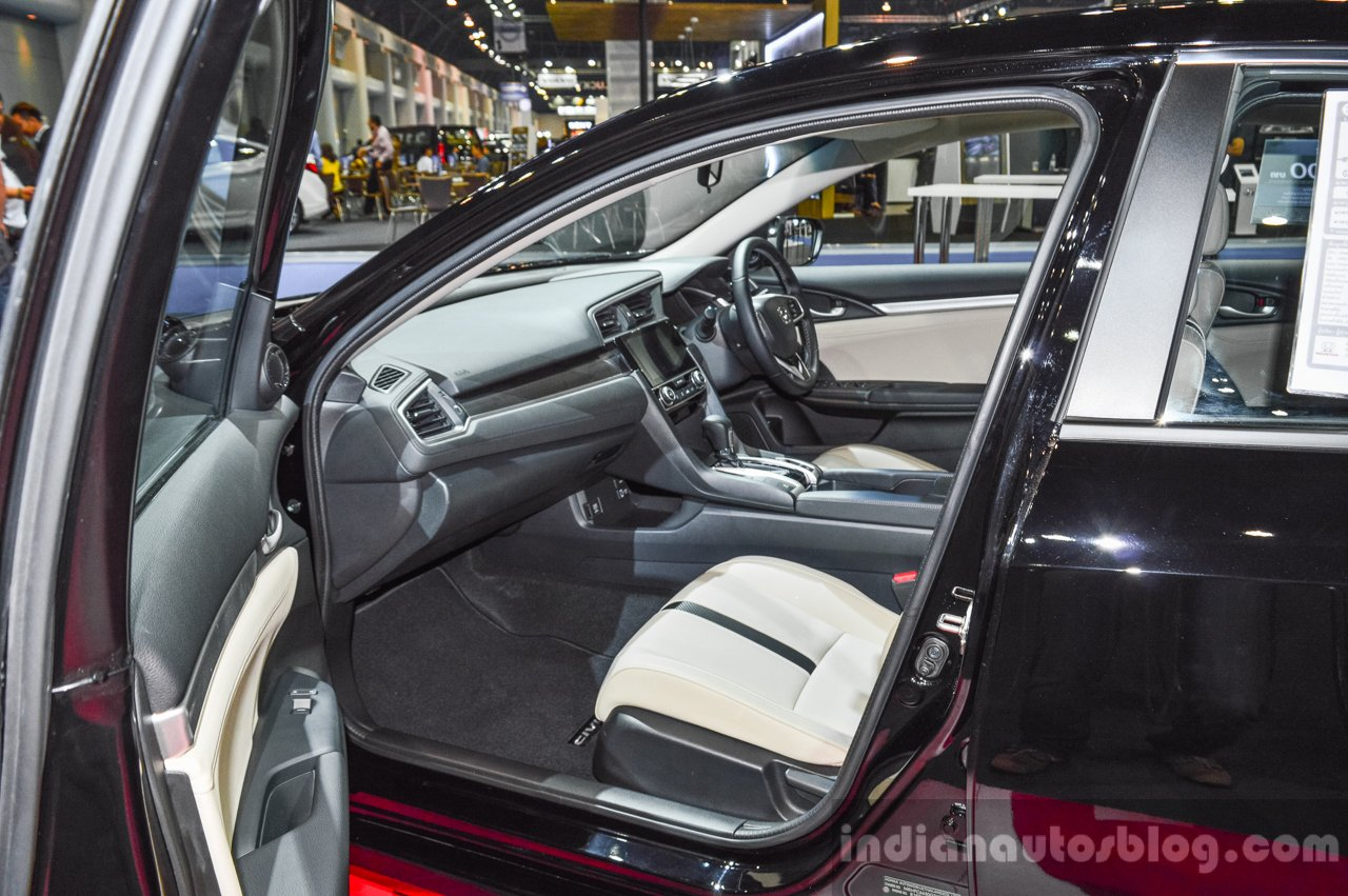 2016 Honda Civic (ASEAN-spec) seats at 2016 BIMS