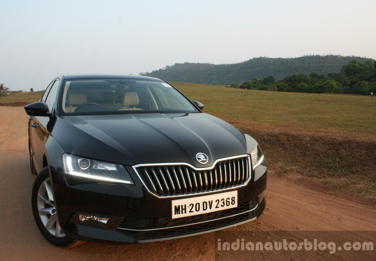 2016 Skoda Superb Laurin & Klement front quarter up close First Drive Review